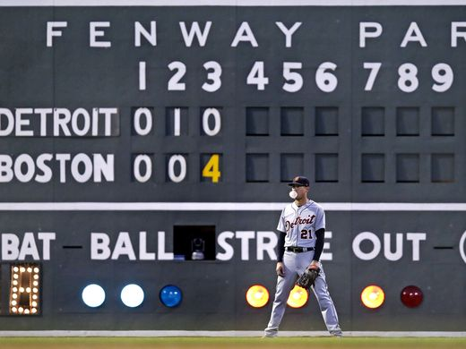 636639208220734028-AP-Tigers-Red-Sox-Baseball-M-2-